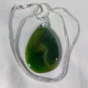 "Green with Veins Agate 925 Silver Plated 18"" Chain"